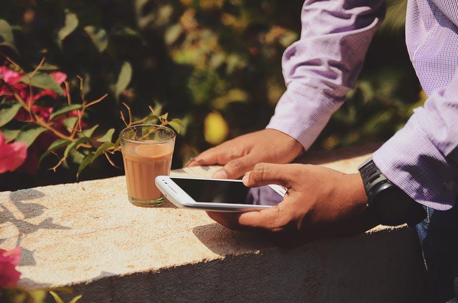Komunikacja w biznesie – jak opanować podstawy?