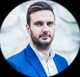 Daniel Siwiec zaczął inwestować w nieruchomości w wieku 22 lat, posiadając zaledwie 30 tysięcy złotych oszczędności. Pierwszy milion zarobił po 4 latach