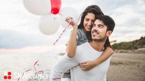 238 funtów – tyle podatku możesz zaoszczędzić jeśli skorzystasz z ulgi małżeńskiej (tzw. marriage allowance).