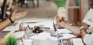 Czy warto kupić nieruchomość na spółkę LTD, a może wybrać inną formę działalności?