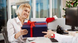 Kiedy prezenty świąteczne są koszami firmy w UK?